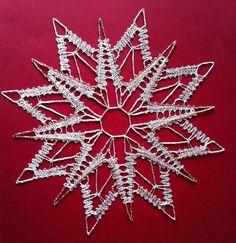 Lace Making, Bobbin Lace, Needlework, Christmas Tree, Holiday Decor, Bobbin Lacemaking, Crocheting, Apple Roses, Star Patterns