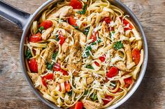 Chicken Pasta Recipe - Anytime you are craving comfort food, give a try to this Tomato Spinach Chicken Pasta. : Chicken Pasta Recipe - Anytime you are craving comfort food, give a try to this Tomato Spinach Chicken Pasta. Pasta Dinner Recipes, Best Pasta Recipes, Healthy Chicken Recipes, Recipe Chicken, Healthy Pasta With Chicken, Light Pasta Recipes, Pasta Ideas, Skillet Recipes, Chicken Linguine