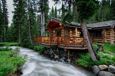 Bighorn Cabin on the North Fork Creek, a cozy cabin at Lone Mountain Ranch in Montana