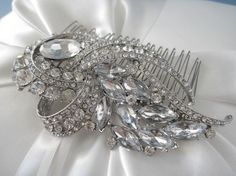 Hey, I found this really awesome Etsy listing at https://www.etsy.com/listing/67076217/wedding-hair-comb-vintage-inspired