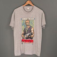 923271a27ac 80s PREDATOR Movie Promo T-Shirt. Amazing Vintage 1987 Twentieth Century  Fox Film Movie Tee s Collectible Schwarzenegger PREDATOR T-Shirt.