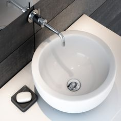 Lavoar rotund Ideal Standard Strada   Lavoare   Obiecte Sanitare Agi Architects, Ideal Standard, Mirror Cabinets, White Ceiling, Wet Rooms, Scandinavian Design, Sink, Bathroom, Home Decor