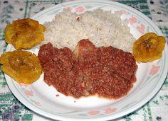 Rice, cornbeef and tostones