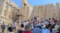 Grecja - moja mama właśnie stamtąd wróciła i jest zachwycona... ale ja i tak chyba wybiorę Hiszpanię albo Chorwację ;)