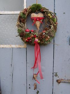 Door wreaths – wreath wooden heart – a unique product by zauberzimmer on DaWanda – Flowers Desing Ideas Rustic Christmas, Christmas Wreaths, Christmas Crafts, Christmas Decorations, Xmas, Holiday Decor, Wreaths And Garlands, Door Wreaths, Diy Wreath