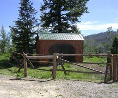 10' x 14' Standard Run In is now available as diy plans for only $14.95. Aslo available as kits or fully assembled. #livestockshelter http://jamaicacottageshop.com/shop/run-in-shed/ http://jamaicacottageshop.com/wp-content/uploads/pdfs/10x14RunInStandard.pdf