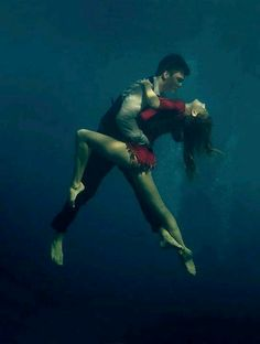 Underwater tango - a project by Katerina Bodrunova