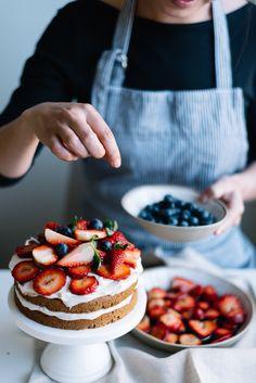 Vegan Cashew Cream and Strawberry Cake You Must Bake this Spring