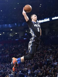 zach lavine 2015 dunk contest | Zach LaVine throws down one of his highlight-reel slams during the ...