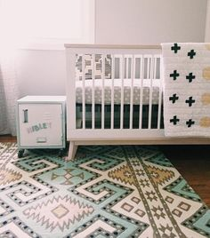 @babyletto on Instagram: strong rug game 🙌 | #babyletto Scoot Crib in white and washed natural | 📷: mama @sarahjobell 😘