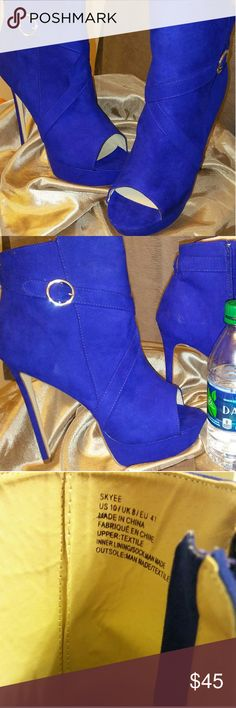 """Electric Blue Peep Toe Pumps Bought them brand new from JustFab...but never worn due to height...they're 4""""! I can't walk in them lol JustFab Shoes Heels"""