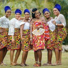 Maabena with her girls! African Print Wedding Dress, African Wedding Attire, African Attire, Ghana Traditional Wedding, African Traditional Wedding Dress, Ghana Wedding, Kente Dress, African Wear Dresses, African Print Fashion