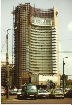 Hotelul Intercontinental in reabilitare in anul 1993 Romania Travel, Bucharest Romania, Time Travel, Big Ben, Skyscraper, Europe, Building, Photography, Travelling