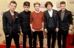 Los cantantes Liam Payne, Louis Tomlinson, Niall Horan, Zayn Malik y Harry Styles de One Direction llegan a los 2012 MTV Video Awards
