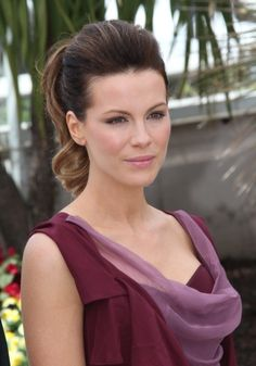 Kate Beckinsale - master of the ponytail updo!