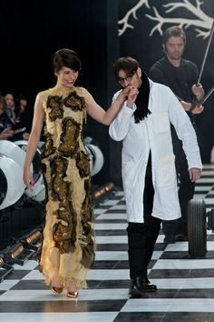 Haute Couture SS 2014 – Frank Sorbier See all fashion show on: http://www.bookmoda.com/sfilate/haute-couture-ss-2014-frank-sorbier/#imgID-70157 #hautecouture #spring #summer #catwalk #womansfashion #woman #fashion #style #look #collection #SS2014 #franksorbier @The Frank™ Sorbier #fashionshow
