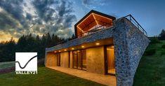 Proiectul promoveaza ideea unui concept unic de condominiu bazat pe valorile traditionale de a trai simplu si aproape de natura, in ceea ce va fi cu adevarat primul Complex Eco-Turistic de case de vacanta…