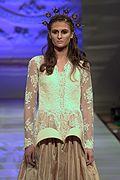 Kristin Costa Modeshow Herbst 2013 NYC - #mode #catwalk #laufsteg #modewoche #couturemodewoche #modewochenewyork #kleid #einmalig #kristinkosta #kunst #models