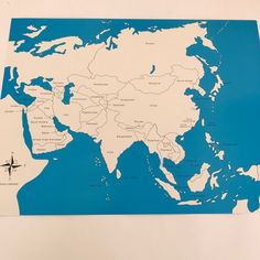 These control maps, display the names of each country and help to check work done by children. Local Map, Montessori Materials, Puzzle Pieces, Kids House, Geography, Maps, Asia, Range, Display