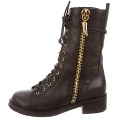 Pre-owned Giuseppe Zanotti Leather Combat Ankle Boots (375 AUD) ❤ liked on Polyvore featuring shoes, boots, ankle booties, black, black leather bootie, black ankle boots, short black boots, black lace-up boots and lace up booties