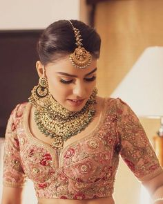 Hairstyles wedding indian bridal lehenga 55 ideas for 2019 wedding hairstyles 806144402029668592 Indian Bridal Outfits, Indian Bridal Makeup, Indian Bridal Fashion, Indian Dresses, Bridal Dresses, Bridal Beauty, Bridal Tips, Indian Clothes, Wedding Outfits