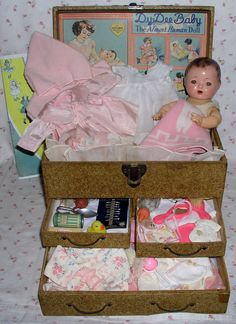 GREAT Effanbee Dy-Dee TRUNK to display your Dy-Dee Ette baby and her clothing and accessories. This Original 3-drawer trunk is sized for the 11 Dy-Dee