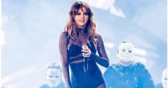Welcome to Solenzo blog: Selena Gomez cries on stage at her concert, posts cryptic message on IG
