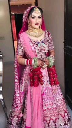 Lehenga Choli, Sari, Indian Bridal Jewelry Sets, Lahenga, Gold Earrings Designs, Designer Earrings, Beautiful Bride, Label, Projects