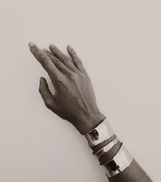 Serious drama achieved with these Milá cuff bracelets from Coyote Negro, the label of Puerto Rican designer Melissa Hernández. Captive Prince, Silver Jewelry, Silver Rings, Silver Cuff, Diamond Jewelry, Glamour, Jewelry Accessories, Jewelry Box, Bangles