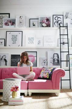 Best Scandinavian Home Design Ideas. The Best of home decor ideas in - Interior Design Fans Pink Sofa, Home And Deco, Home Decor Inspiration, Decor Ideas, Style Inspiration, Home And Living, Office Decor, Living Room Decor, Cute Living Room