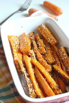 Roasted carrots with honey, thyme and sesame