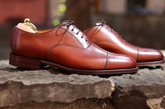 Loake Aldwych in Mahogany is a top quality calf oxford on the new Capital last with full leather lining & insole. http://www.robinsonsshoes.com/loake-aldwych.html