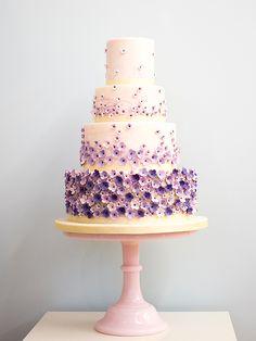 Purple and white wedding cake @weddingchicks