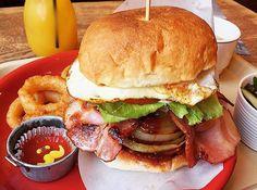 #HIBRICK#ハイブリック#specialhamburger#hamburger#potato#onionrings#tomatosauce#mangojuice#lunch#food#ボリューム満点#豊川#愛知県 http://w3food.com/ipost/1521384105580526578/?code=BUdCsiMDXvy