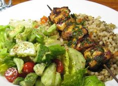 Grilled Moroccan Chicken Recipe this looks like a really yummy, healthy dinner! I Love Food, Good Food, Yummy Food, Clean Eating, Healthy Eating, Middle Eastern Recipes, Menu, So Little Time, International Recipes