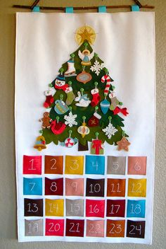 felt advent calendar {maybe next year!} I want this SOOOO bad!!!!  Hint-Hint Lisa Fieguth you can totally draw my name next year and make it.
