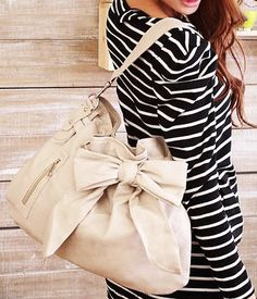 Gorgeous bag with bow