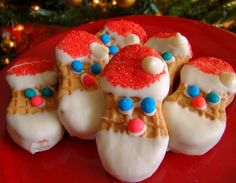 Santa Cookies: No baking necessary and fun to with (or just for) the kids. Who doesn't love Nutter Butters?