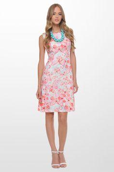 Εμπριμέ αμάνικο φόρεμα με δαντέλα στους ώμους και στην πλάτη Κωδικός: 1-403285