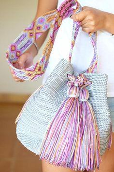 Gray with multicolor tassels / Basket bag / Boho Basket Handbag with tassels / Mexican Crochet Bag / Boho Cross Body Gray with multicolor tassels / Basket bag / Boho Basket Handbag with tassels / Mexican Crochet Bag / Cross body bag / Indigenous Art Beau Crochet, Crochet Tote, Crochet Cross, Crochet Handbags, Crochet Purses, Boho Bags, Tapestry Crochet, Knitted Bags, Handmade Bags