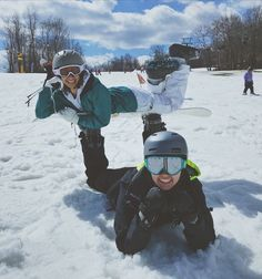 Winter Pictures, Bff Pictures, Best Friend Pictures, Video Ski, Snowboarding Style, Shotting Photo, Snowboard Girl, Ski Season, Besties