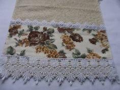 Toalha de lavabo rosas marron Acabamento  em Guipir Toalhas  podem ser  utilizadas ,lembranças de casamento. Encomendas  mediante orçamento, outros tipos de toahas R$ 20,00