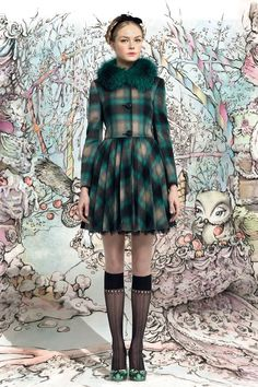Red Valentino Fall 2013 Ready-to-Wear Collection Photos - Vogue New York Fashion, Love Fashion, Fashion News, Runway Fashion, Fashion Show, Autumn Fashion, Fashion Design, London Fashion, Dress Fashion