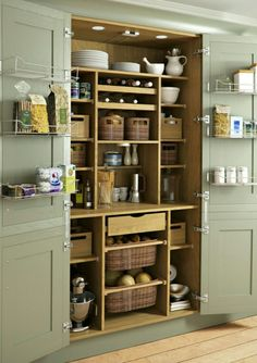 Who knew storage could be so pretty? •Houzz.com