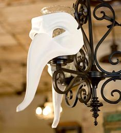 25 Spooky and Creepy Indoor Halloween Decorating Ideas | Shelterness