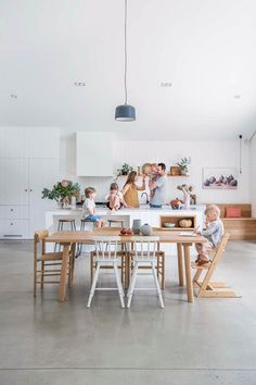 A modern family home with Nordic style in Adelaide The owners of this Adelaide home hired a Scandinavian architect to design a modern 'cabin' around a lilly pilly tree in their garden. Nordic Home, Nordic Style, Nordic Kitchen, Scandi Style, Family Room, Home And Family, Modern Family, Big Family, Daybed Design