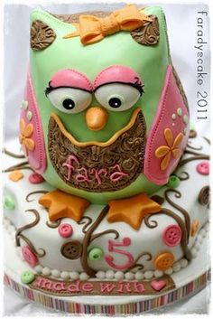 Venus and Sara...This is the Owl Cake I was telling you about at lunch! So cute!