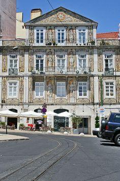 """""""Casa do Ferreira das Tabuletas"""" por Alegna13 - Obra do próprio. Licenciado sob CC BY-SA 3.0, via Wikimedia Commons"""