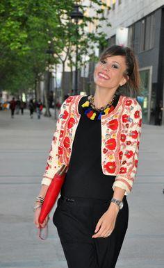FIESTA SELFIELILLA 5-5-2014 #SELFIELILLA by Marta Escalante on 05/05/2014, 6 commentsShareShareBuenos días:Por fin os puedo hablar de lo que fue el evento de L' Illa Diagonal de Barcelona, con muchas marcas que se prestaron a vestir a nuestros maniquís y organizado por el magnífico grupo de THE ROCKING HOUSE. Fue una tarde de selfies, risas y sobre todo buen rollo. Disfrutamos de nosotras, de la gente que vino a vernos y de la magnífica fiesta que nos habían preparado. A veces no hace falta…