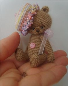 This pattern is an easy and cute design that is perfect for the beginner miniature maker. If you can do a single crochet, increase, decrease and slip stitch, you can make your very own 3 inch small Trixee Bear!
